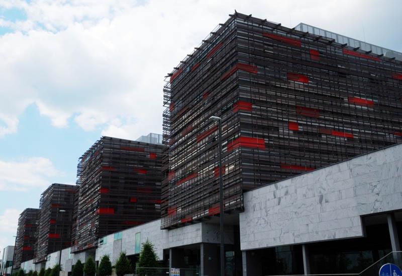 DUNAJSKI KRISTALI residential and business building