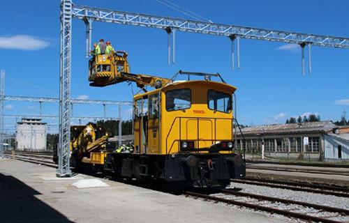 Portalni stebri železnice